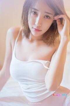 [Rayshen] 青春活力邻家妹张露白色吊带衫诱惑高清私房