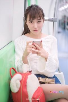 [Rayshen] 可爱动人软妹子楚楚白皙火腿地铁美艳私照