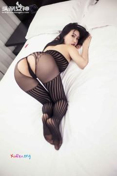 [头条女神] 成熟美少妇瑷妮情趣连体开档内衣活力私密写真 27P