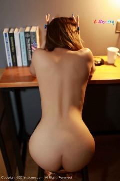 [秀人网XiuRen] N00655 豪放人体艺术模特Sugar梁莹紧致黑色丝袜风情露骨室内写真 67P