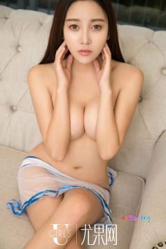 [ugirls_尤果网] 美艳红牌技师李梓然晃眼车头灯极致性感真空写真 66P