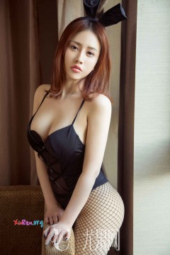[ugirls_尤果网] 时髦网红模特小七兔女郎网袜秀美红润平面私房照 65P