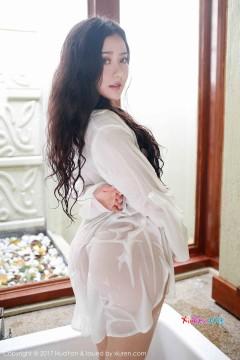 [HuaYan] VOL.028 惹火大臀私房女郎Manuela玛鲁娜抢眼湿身衬衫迷人艺术私拍 35P