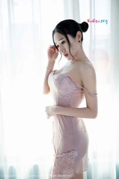 [秀人网XiuRen] N00806 妖艳柳腰暖床技师馨怡紫色薄纱长裙性感商务写真 50P