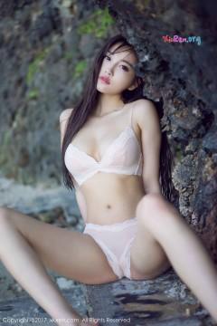 [秀人网XiuRen] N00835 柔美长发养眼囡囡杨晨晨sugar粉色清凉泳衣海滩魅力外拍写真 53P