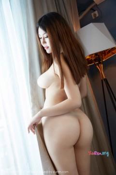 [MiiTao蜜桃社] Vol.085 惹火白臀巨乳模特瑞恩Ann欲拒还迎撩人全裸私密高清写真 50P