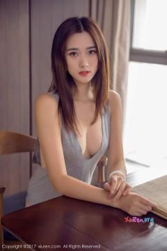 [秀人网XiuRen] N00878 温婉长发柳腰女郎小米小米z优雅劲爆内衣平面写真 42P