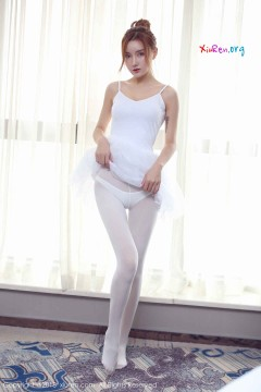 [秀人网XiuRen] N01031 骨感芭蕾美女M梦baby纯白撩人丝袜养眼柔美私房 55P