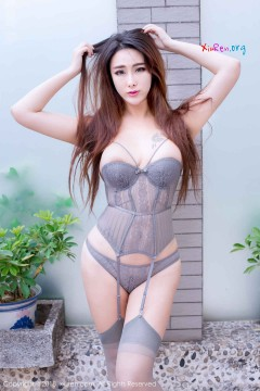 [秀人网XiuRen] N01096 惹火丰满大胸御姐孟狐狸FoxYini喷血人体艺术风情写真 31P