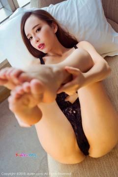 [秀人网XiuRen] N01161 妖媚骨感御姐艾小青酒店致命诱人胴体热情养眼内衣私房 46P