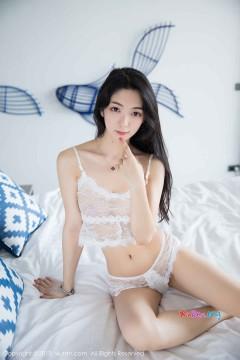 [秀人网XiuRen] N01205 贫乳长腿女模小热巴纯白蕾丝情趣内衣精致艺术私房 53P