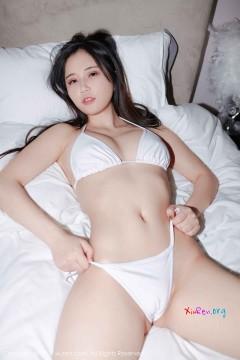 [秀人网XiuRen] N01369 翘臀冷酷暖妹白白Alina诱人比基尼养眼败火商务写真 41P