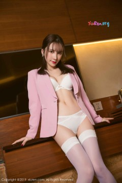 [秀人网XiuRen] N01391 精致红唇小姐姐周于希Sandy白丝美腿细高跟酒店浪漫诱人商务写真 50P