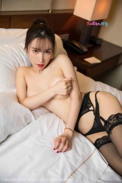 [秀人网XiuRen] N01404 极品九头身美艳嫩模周于希Sandy吊带黑丝情趣内衣诱人私房 50P