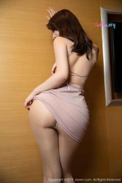 [秀人网XiuRen] N01475 魔鬼香臀囡囡绯月樱Cherry粉色连体短裙热辣艺术写真 65P