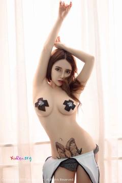 [秀人网XiuRen] N01453 肥美粉嫩小妮子温心怡劲爆火辣魔鬼玉体香艳半裸人体私房 35P
