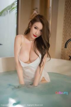[秀人网XiuRen] N01510 妖媚肥臀Egg_尤妮丝骚气媚眼浴缸湿身诱惑写真集 53P