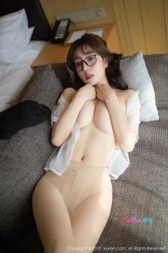 [秀人网XiuRen] N01498 童颜巨乳白嫩国模王雨纯无内肉丝OL制服短裙魅惑写真 51P
