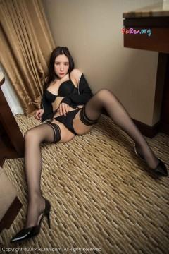 [秀人网XiuRen] N01524 冷艳长发美女周于希Sandy吊带黑丝情趣内衣火辣酒店商务写真 68P