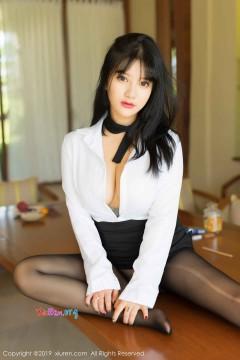 [秀人网XiuRen] N01653 甜美可爱水嫩公主小尤奈抢眼紧身黑丝肥臀优雅室内私密诱人私房 53P