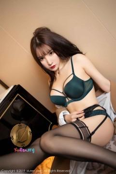 [秀人网XiuRen] N01687 娇柔抢眼年轻美媛周于希Sandy吊带黑丝火辣内衣风情蕾丝室内写真 62P