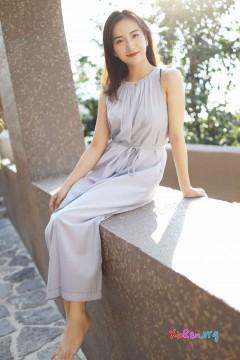 [秀人网XiuRen] N01660 清新田园风甜美小姐姐艺儿拿铁仙气长裙户外养眼写真 57P