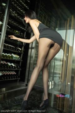 [秀人网XiuRen] N01739 高挑惹火年轻国模阿朱美腿丝袜福利商务私房写真 66P