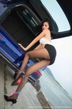 [秀人网XiuRen] N01768 苗条黑丝妙龄女郎阿朱户外真空惊艳人体写真 87P