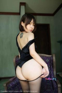 [秀人网XiuRen] N01773 冷艳肥臀美女Evelyn艾莉傲人魔鬼身材玲珑真空制服私房 50P