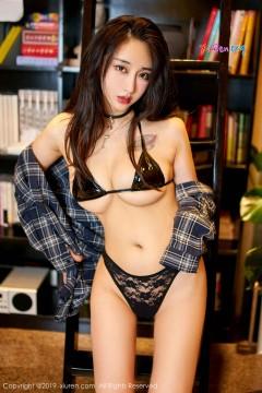 [秀人网XiuRen] N01847 妙龄火辣性感女郎Betty林子欣抢眼喷血内衣极品人体写真 42P