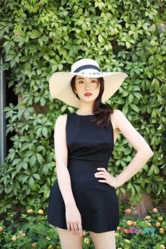 [秀人网XiuRen] N01956 清新甜美小姐姐艺儿拿铁户外魅力旅拍写真集 42P