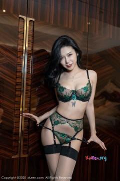 [秀人网XiuRen] N02073 清凉肉臀魅惑女郎luvian本能情趣装室内撩人养眼商务写真 50P