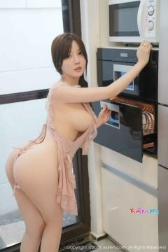 [秀人网XiuRen] N02186 90后热辣开朗巨乳妹米妮大萌萌厨房创意人体福利写真 100P