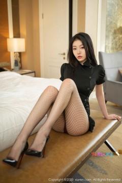 [秀人网XiuRen] N02197 风情长发情妇安然Maleah垂涎养眼长腿网眼丝袜情趣精致私拍 97P