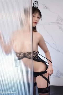 [秀人网XiuRen] N02278 高冷红唇辣妹小宣fancy极致诱惑半裸人体福利私拍 47P