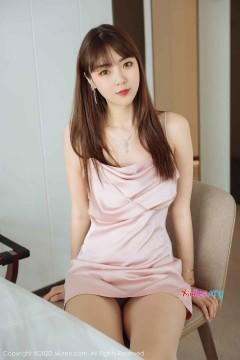 [秀人网XiuRen] N02299 红唇香肩年轻无毛模特可乐Vicky喷血垂涎美腿极品情趣丝袜私房 55P