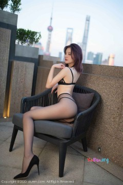 [秀人网XiuRen] N02368 饥渴狂野美媛阿朱垂涎黑丝长腿养眼情趣写真 48P