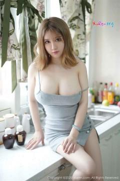 [秀人网XiuRen] N02416 极品巨乳新潮模特周大萌厨房惹火性感私密人体商务写真 43P