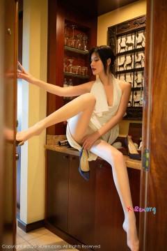 [秀人网XiuRen] N02389 妖艳露骨人气国模阿朱丝袜美腿旅馆惊艳私拍 68P