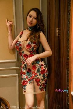 [秀人网XiuRen] N02549 高端丰满轻熟女尤妮丝奢华刺绣透视长裙艳丽妩媚优雅私拍 47P