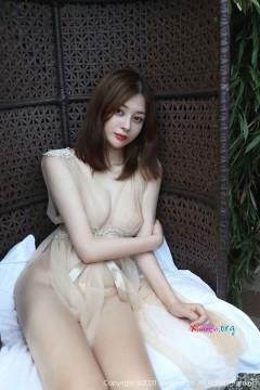 [秀人网XiuRen] N02623 娇艳红唇少妇樱花Elsa清凉诱人透视福利艺术写真 48P