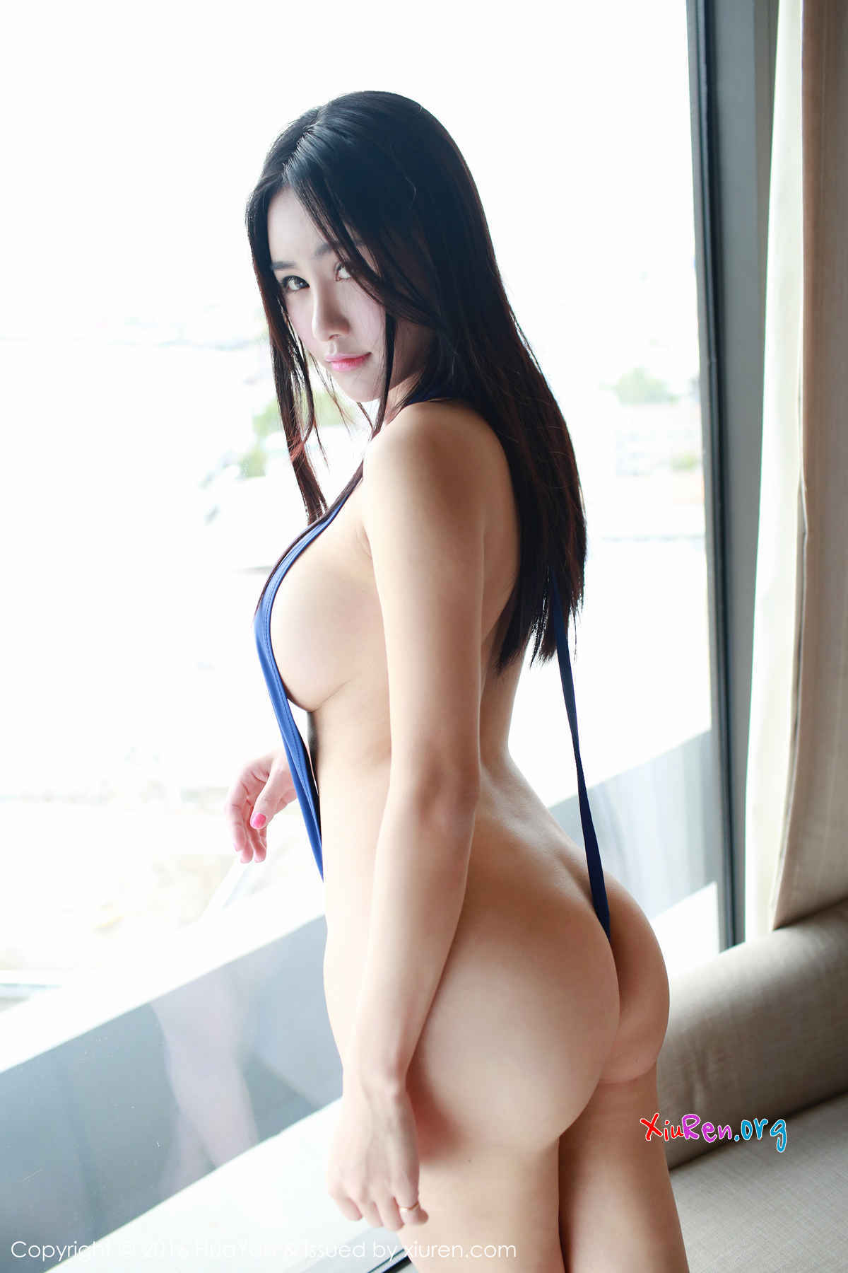 Cute chinese girl meng li masturbates on cam