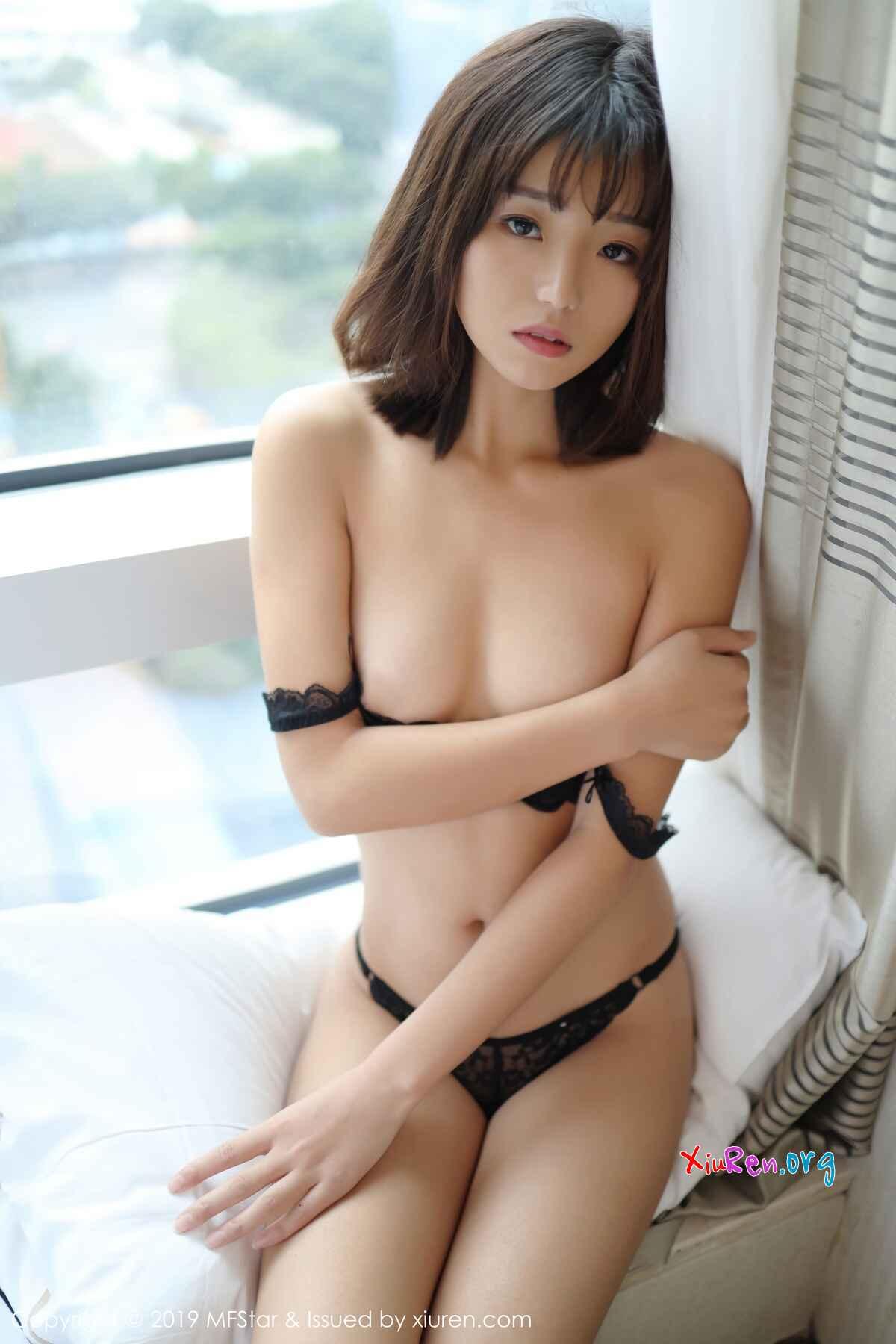 美腻秀气小姐姐仓井优香黑色热辣蕾丝内衣风情室内写真组图