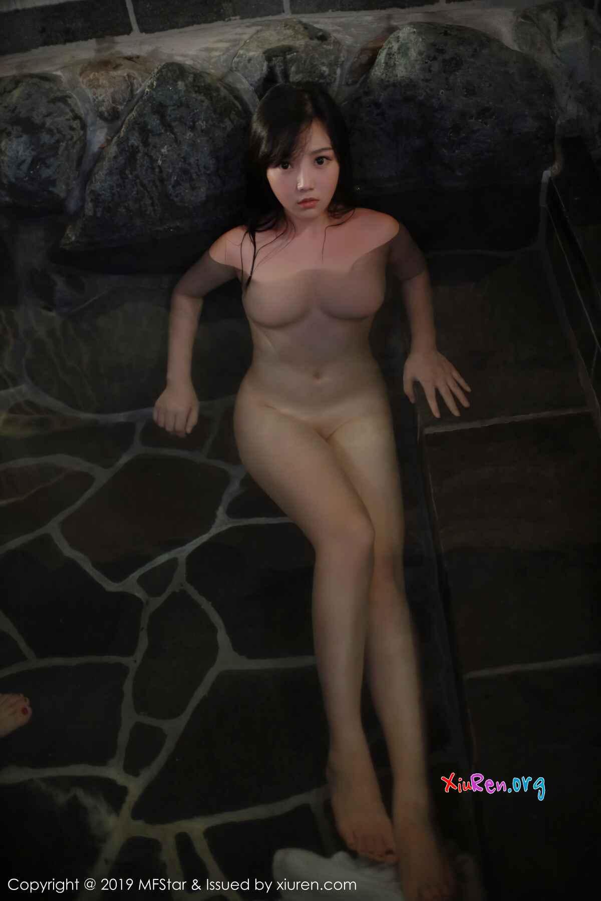 白乳翘臀清凉尤物徐微微mia温泉湿身白衬衫全裸大尺度人体艺术写真