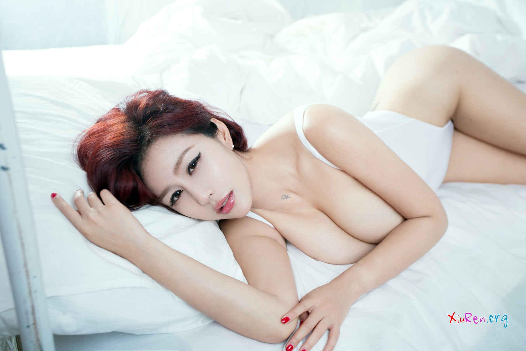 nude women gagging pics